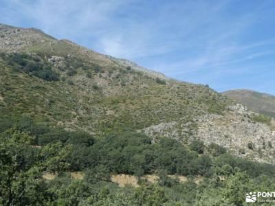 Sierra de Gredos; Barco Ávila; sendero gr 11 botas para senderismo amigos singles baston para sender